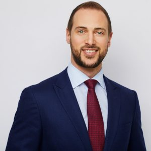 Headshot of Jason Kirsch from Altmaven Capital who shares his thoughts on how to know if you should sell your company.