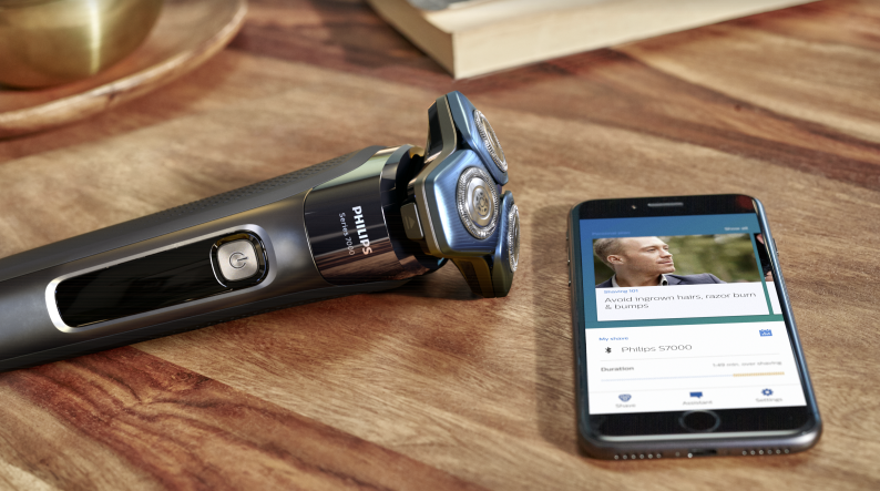 Philips S7000 with mobile phone
